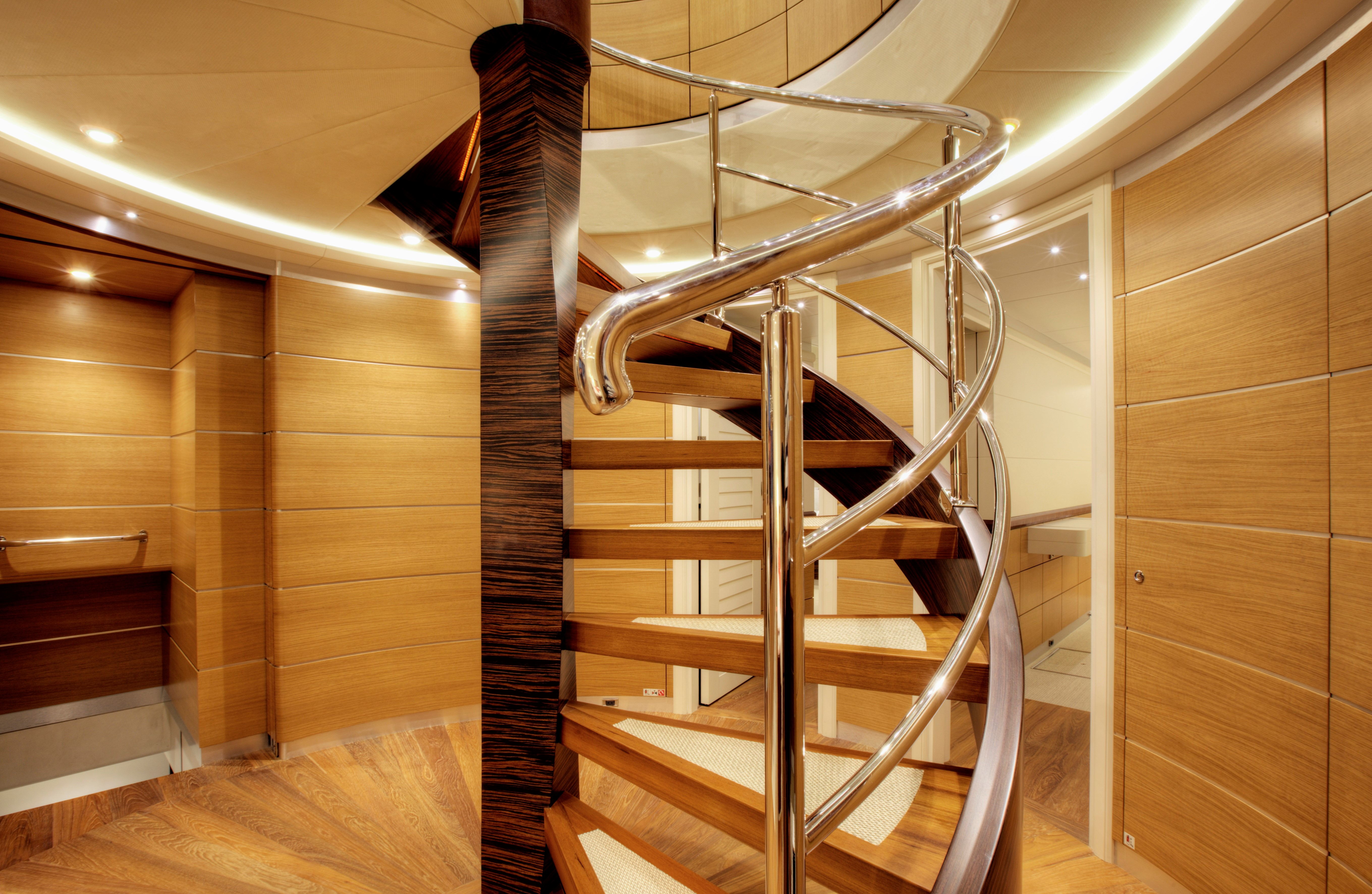 Yacht QUARANTA By Curvelle - Stairway