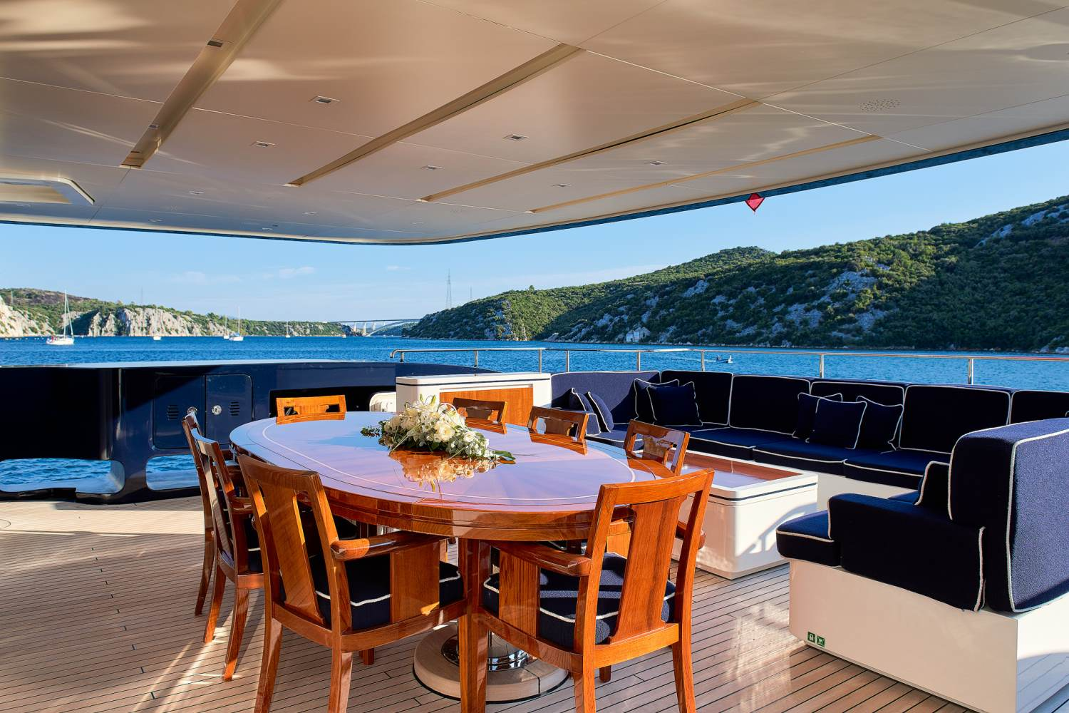Yacht REVE D'OR By Sanlorenzo - Aft Deck Dining