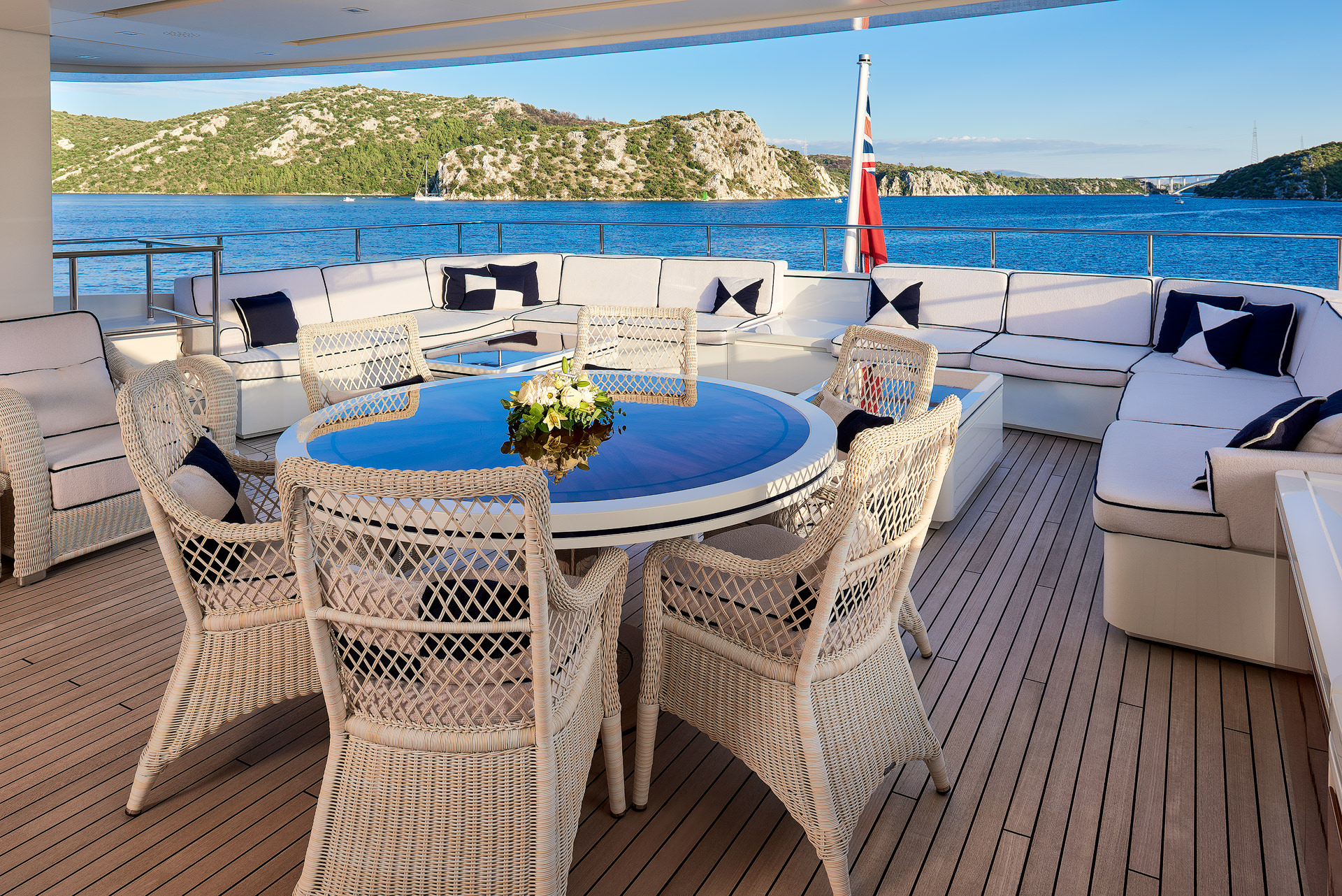 Yacht REVE D'OR By Sanlorenzo - Master Aft Deck Seating