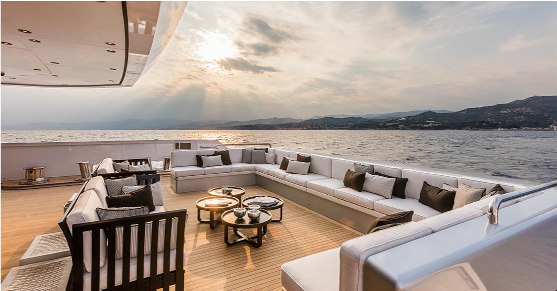 Yacht SUERTE - Aft Deck Seating