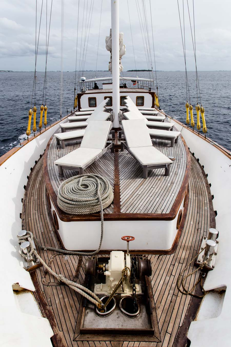 Large-foredeck
