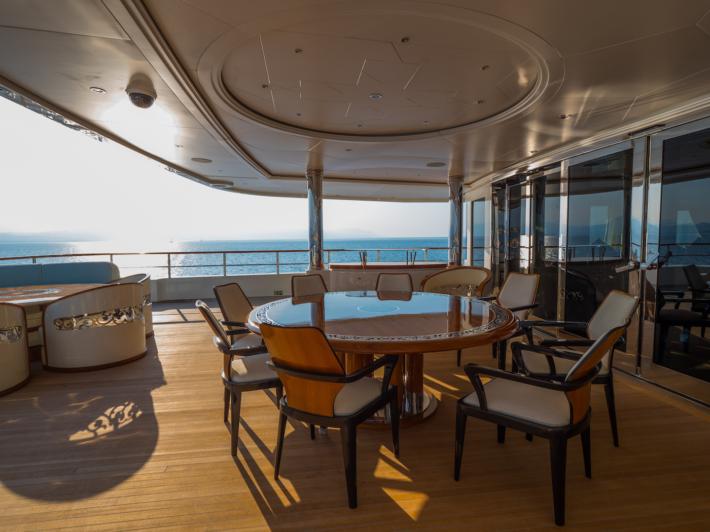 Owner's Deck Exterior Dining