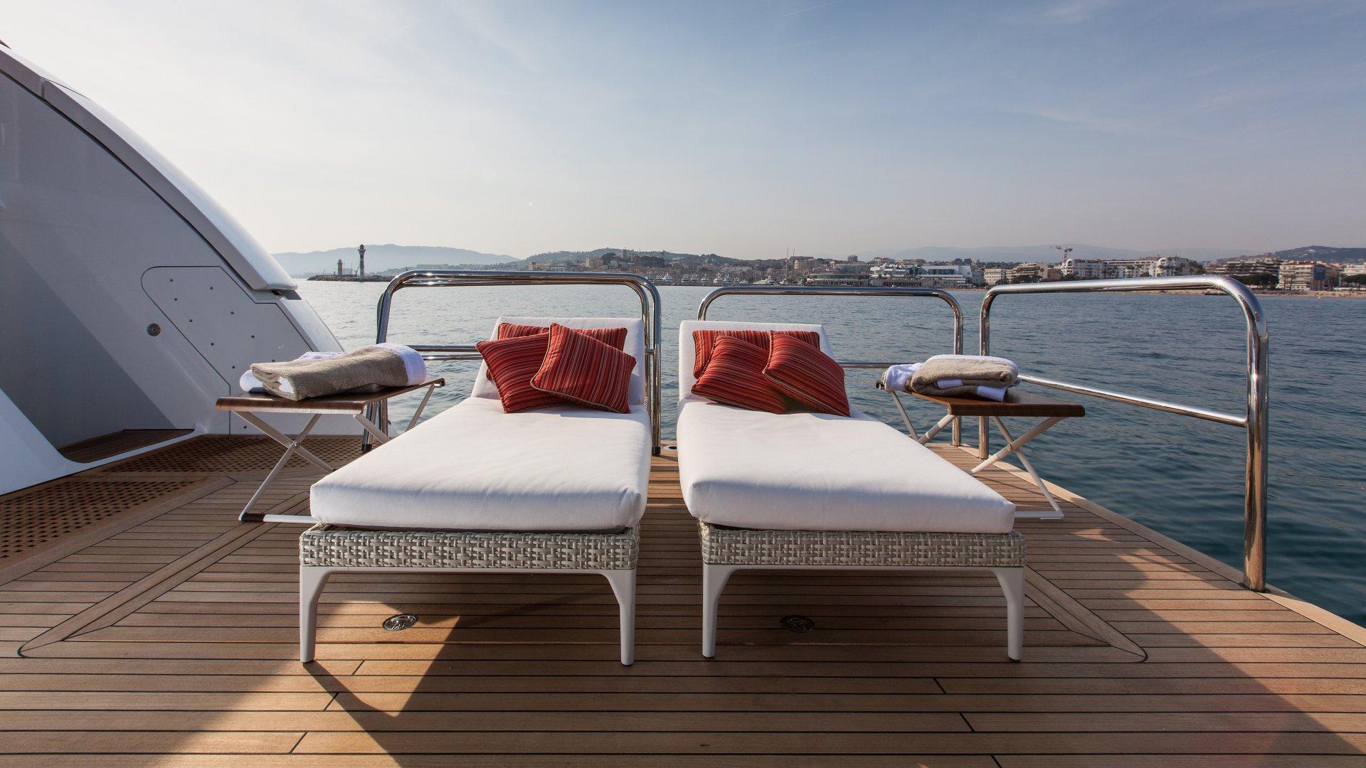 Yacht Pride sunbathing
