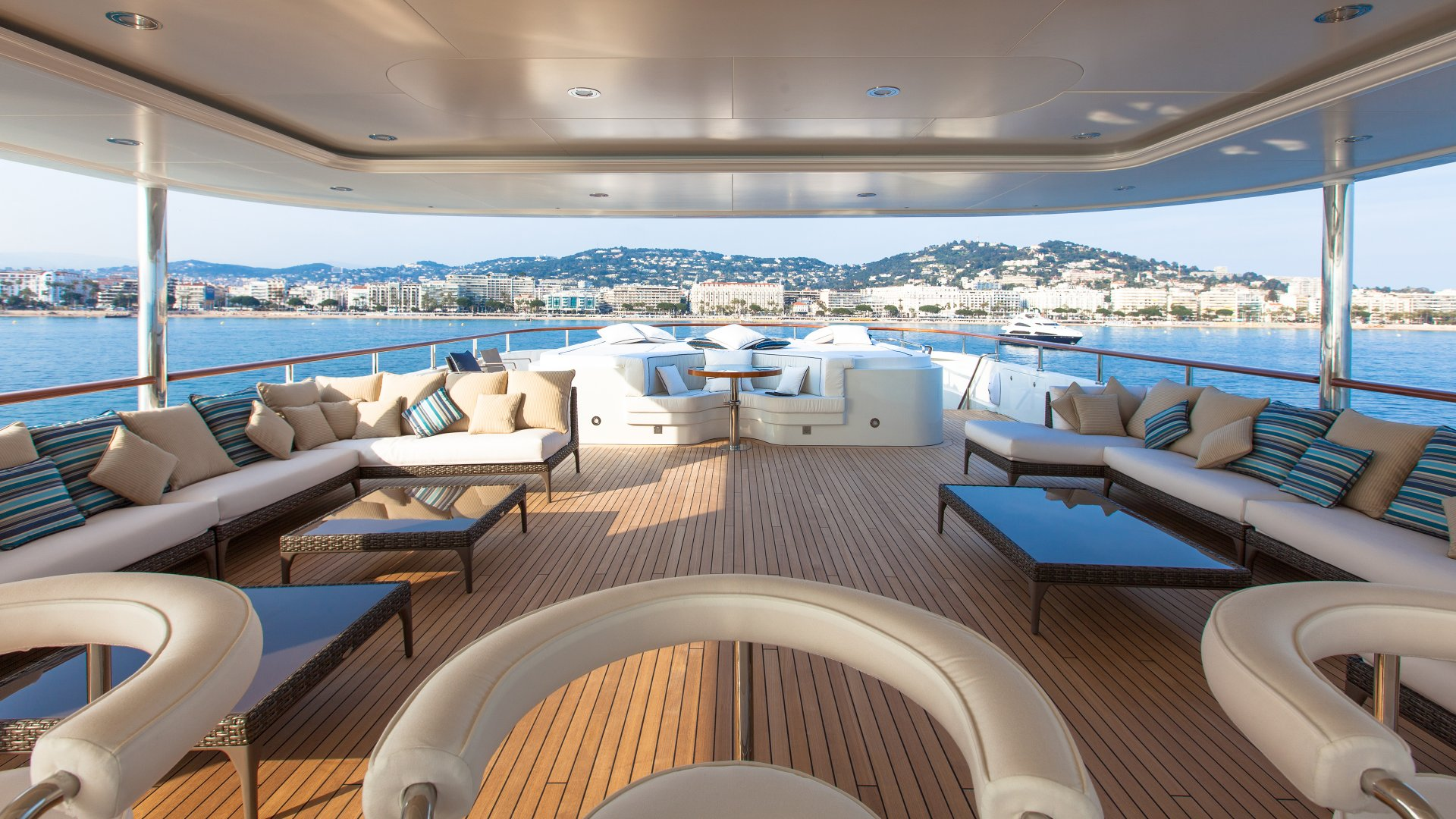 Yacht Pride deck