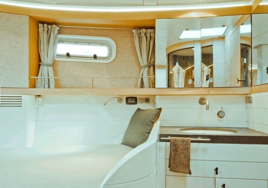 The 20m Yacht HELENE