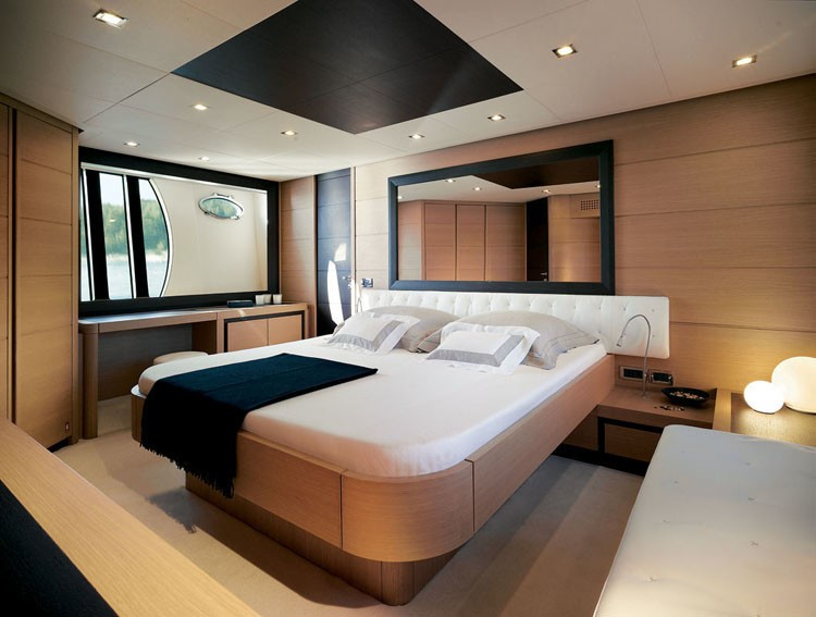 The 22m Yacht SHALIMAR