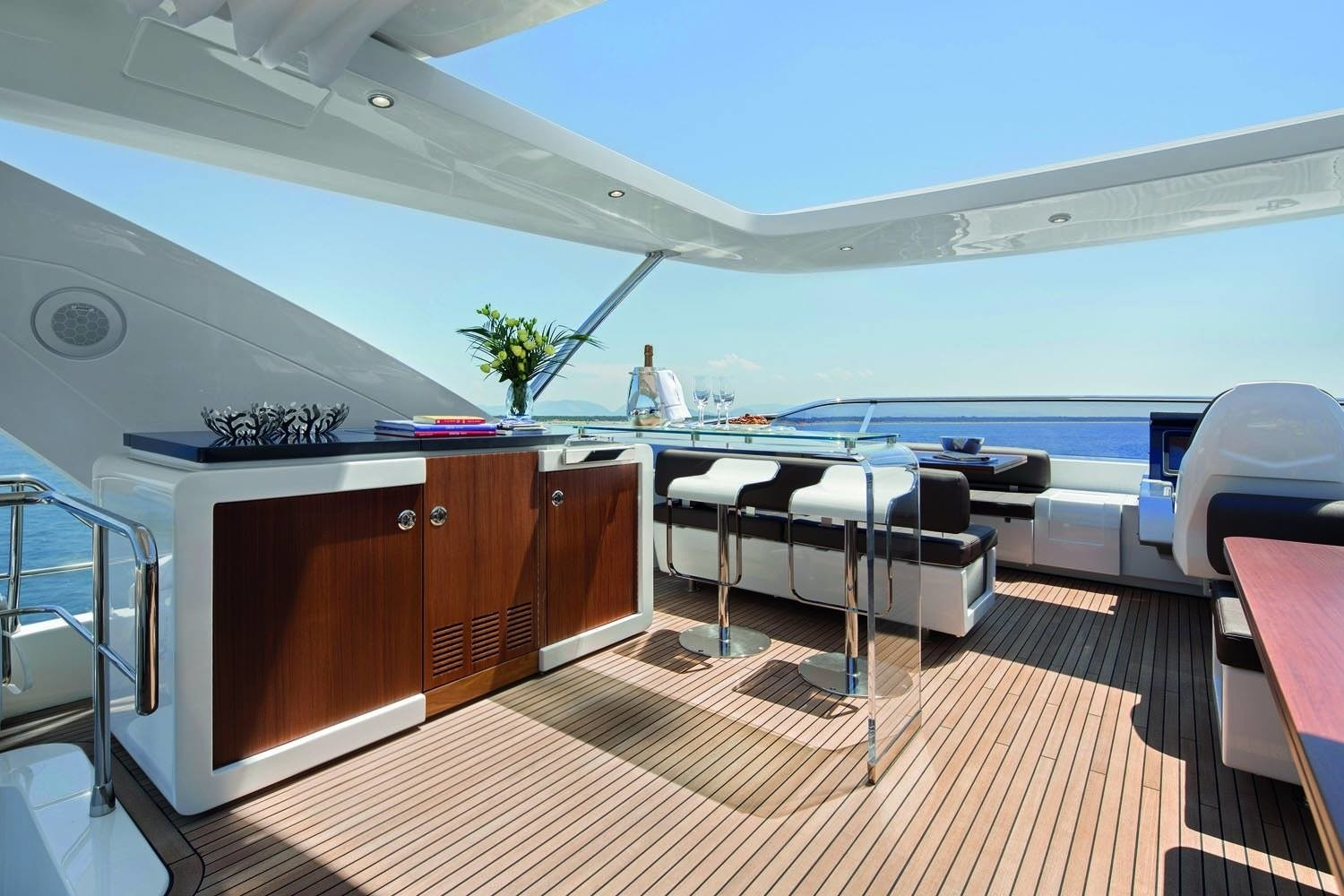 The 25m Yacht NORTH STAR