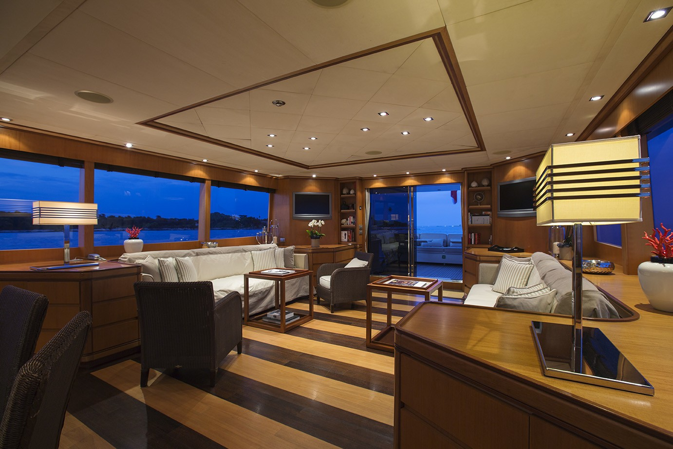 The 32m Yacht CAPPUCCINO
