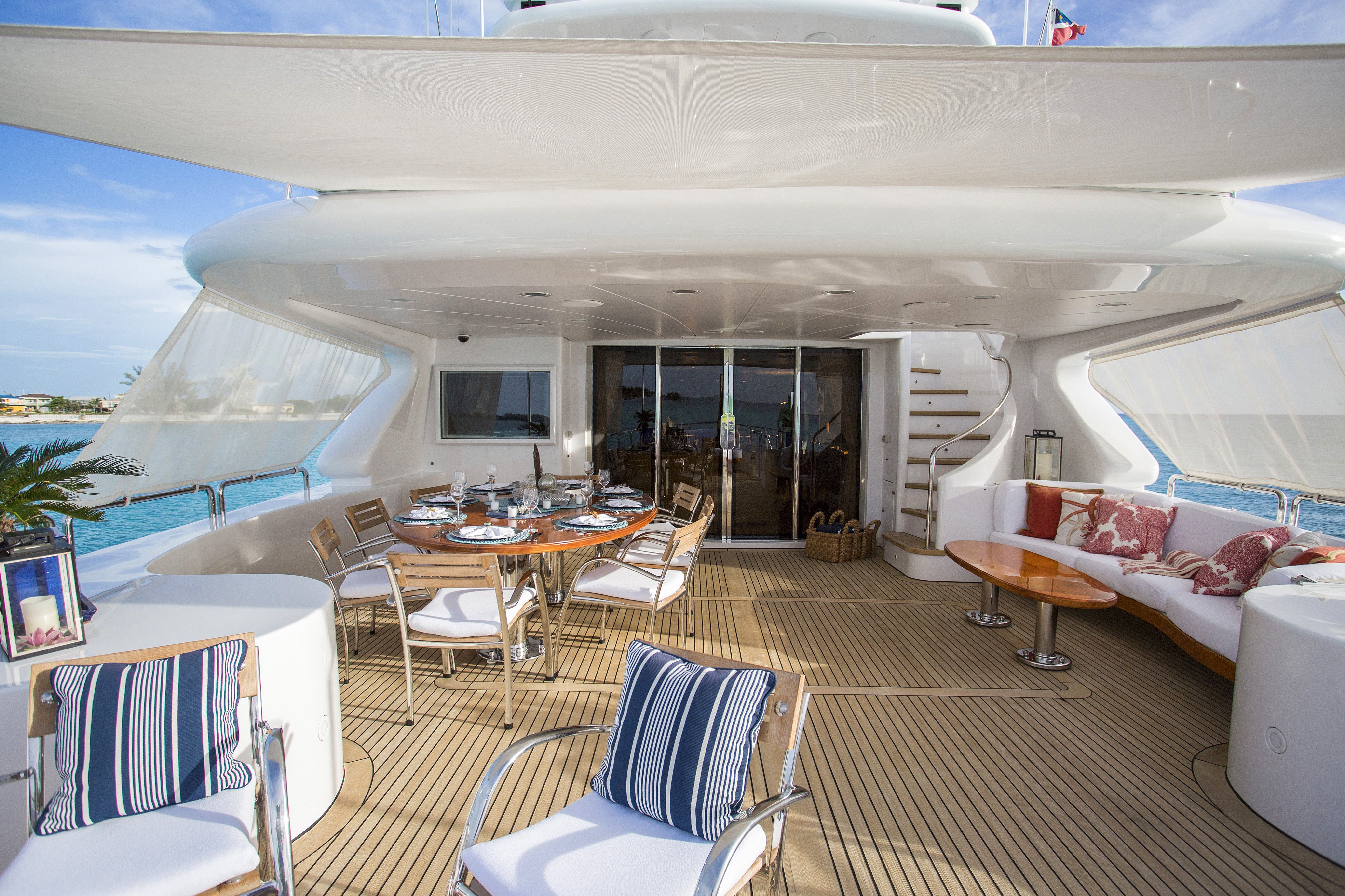 The 35m Yacht CAMARINA ROYALE
