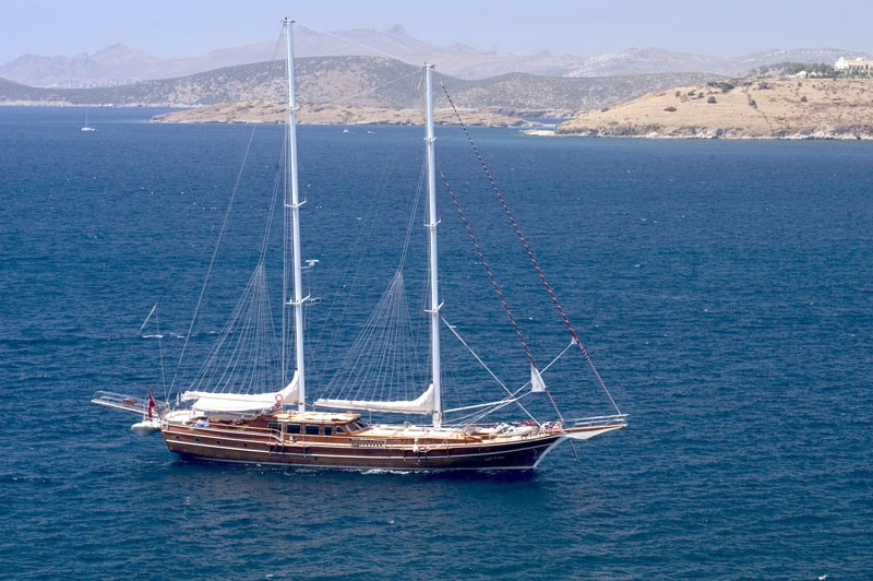 The 35m Yacht QUEEN OF KARIA
