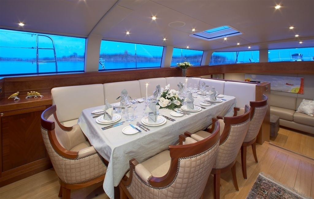 Eating/dining Saloon On Yacht CINDERELLA IV