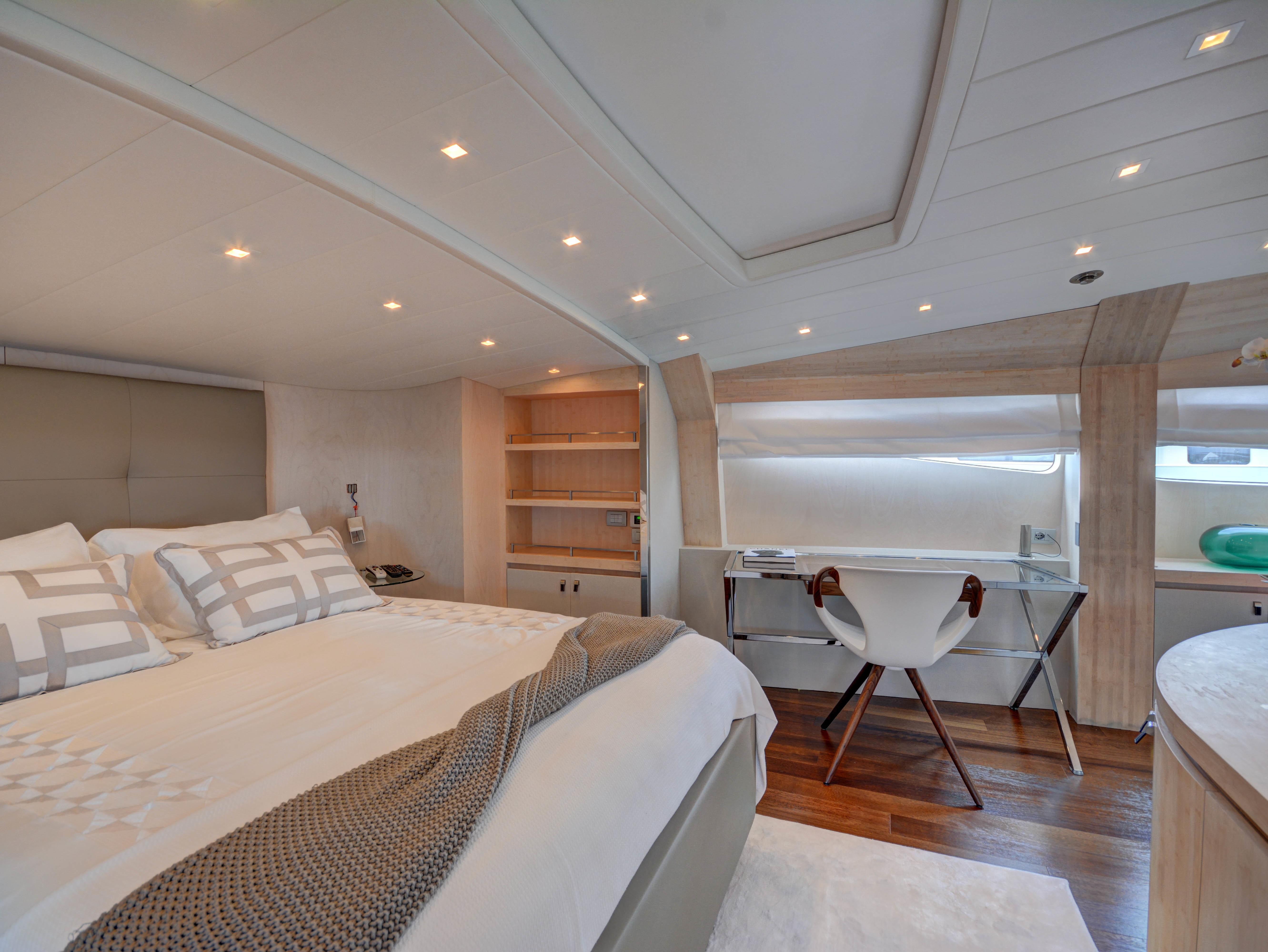 The 39m Yacht HUNTER