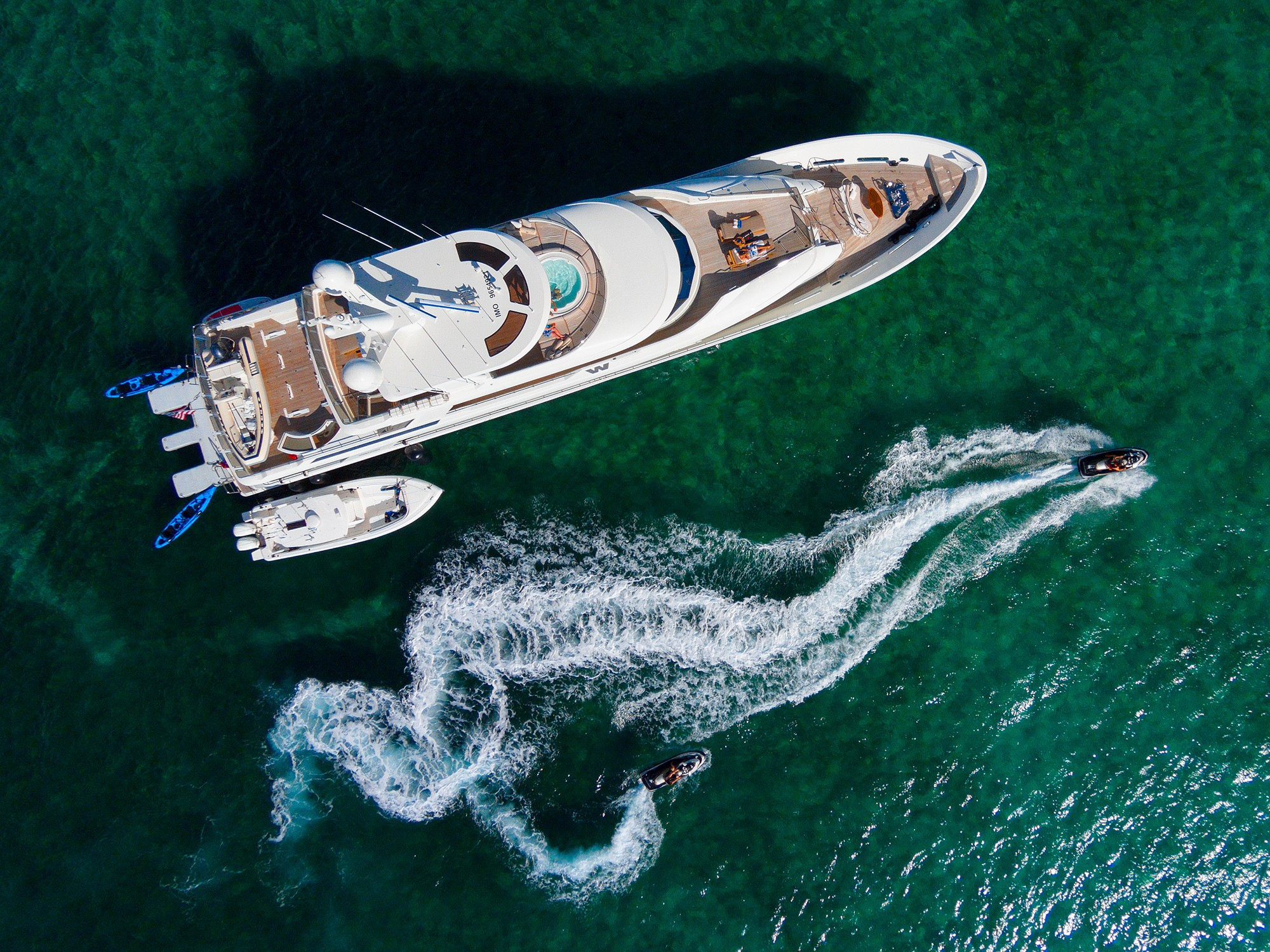 The 39m Yacht W