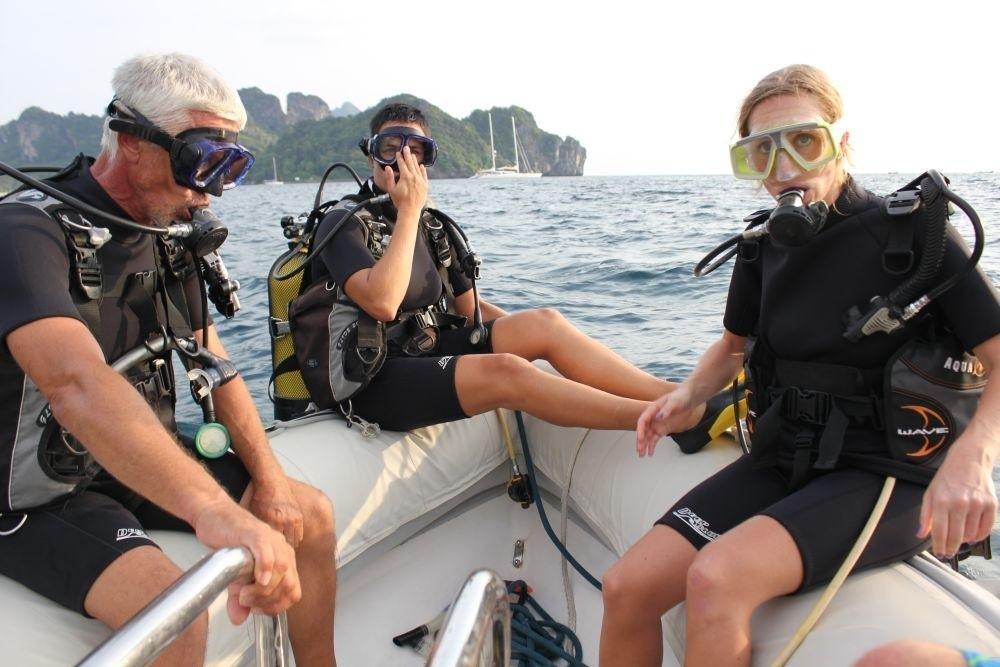 Under Water Scuba Dive Aboard Yacht DOUCE FRANCE
