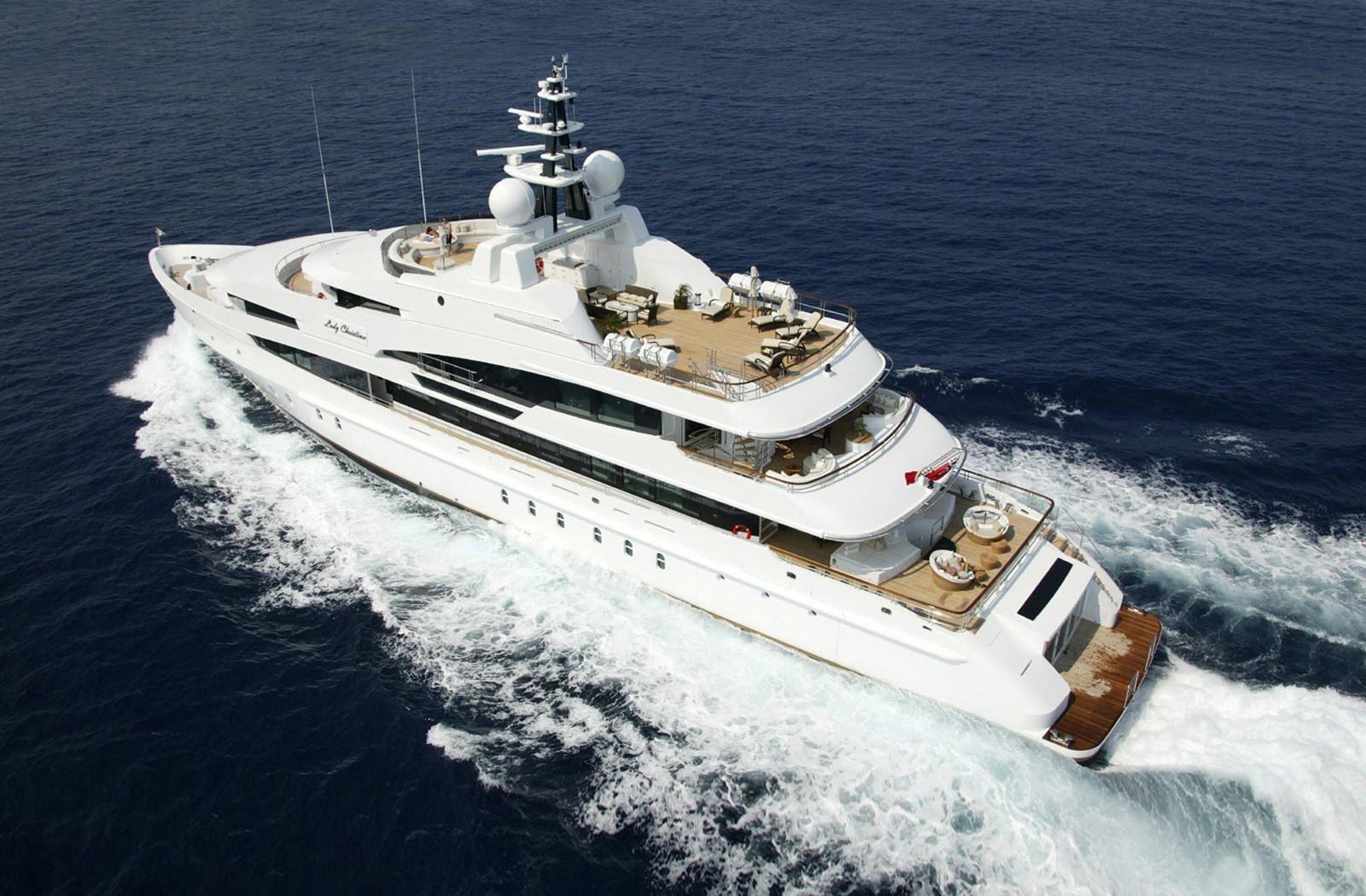 Aft Aspect: Yacht SEA WALK's Cruising Captured