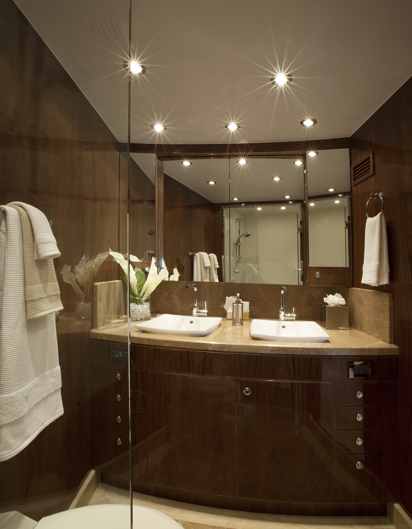 Guest Cabin - Bathroom