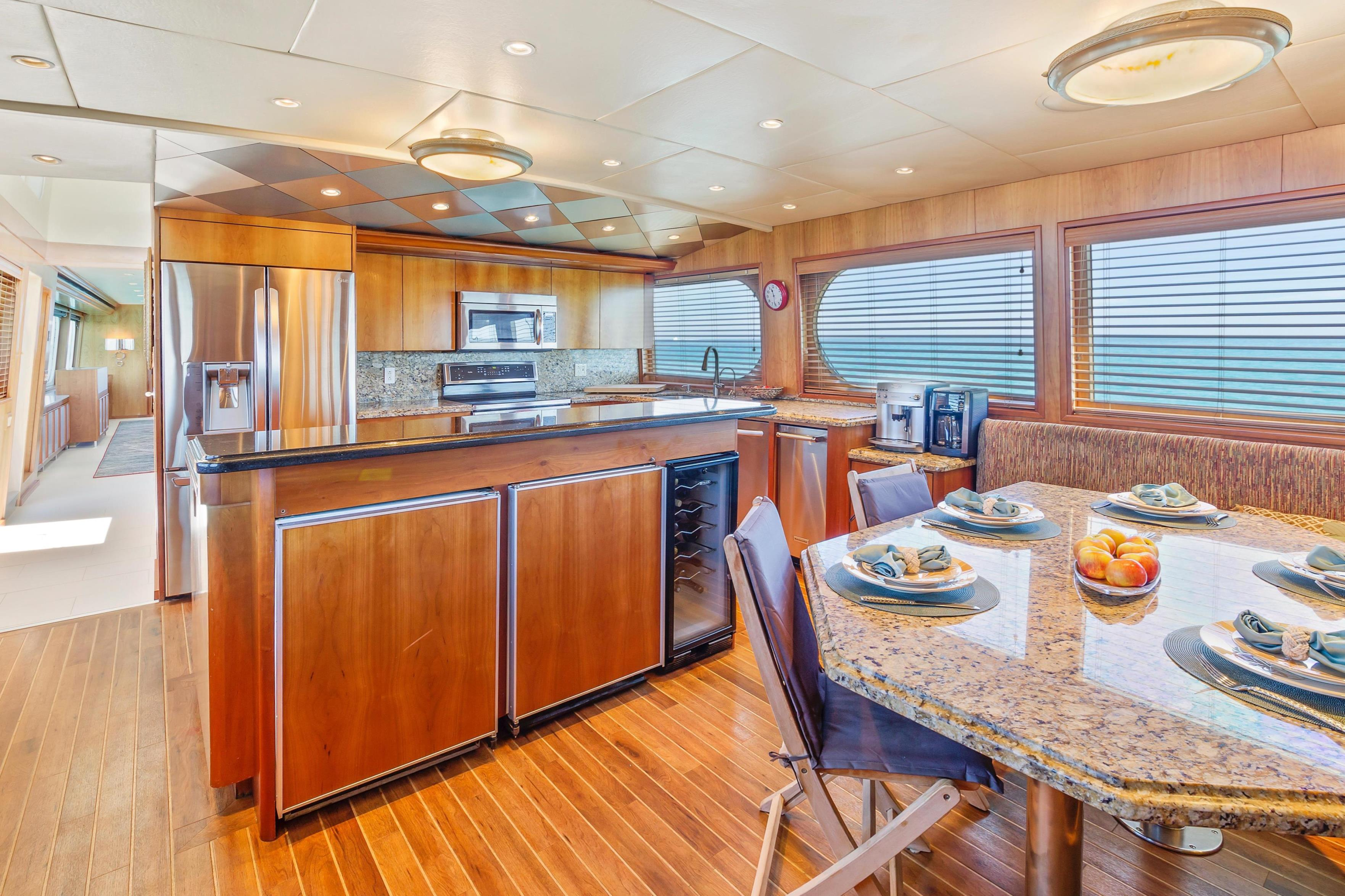 Country galley and dining
