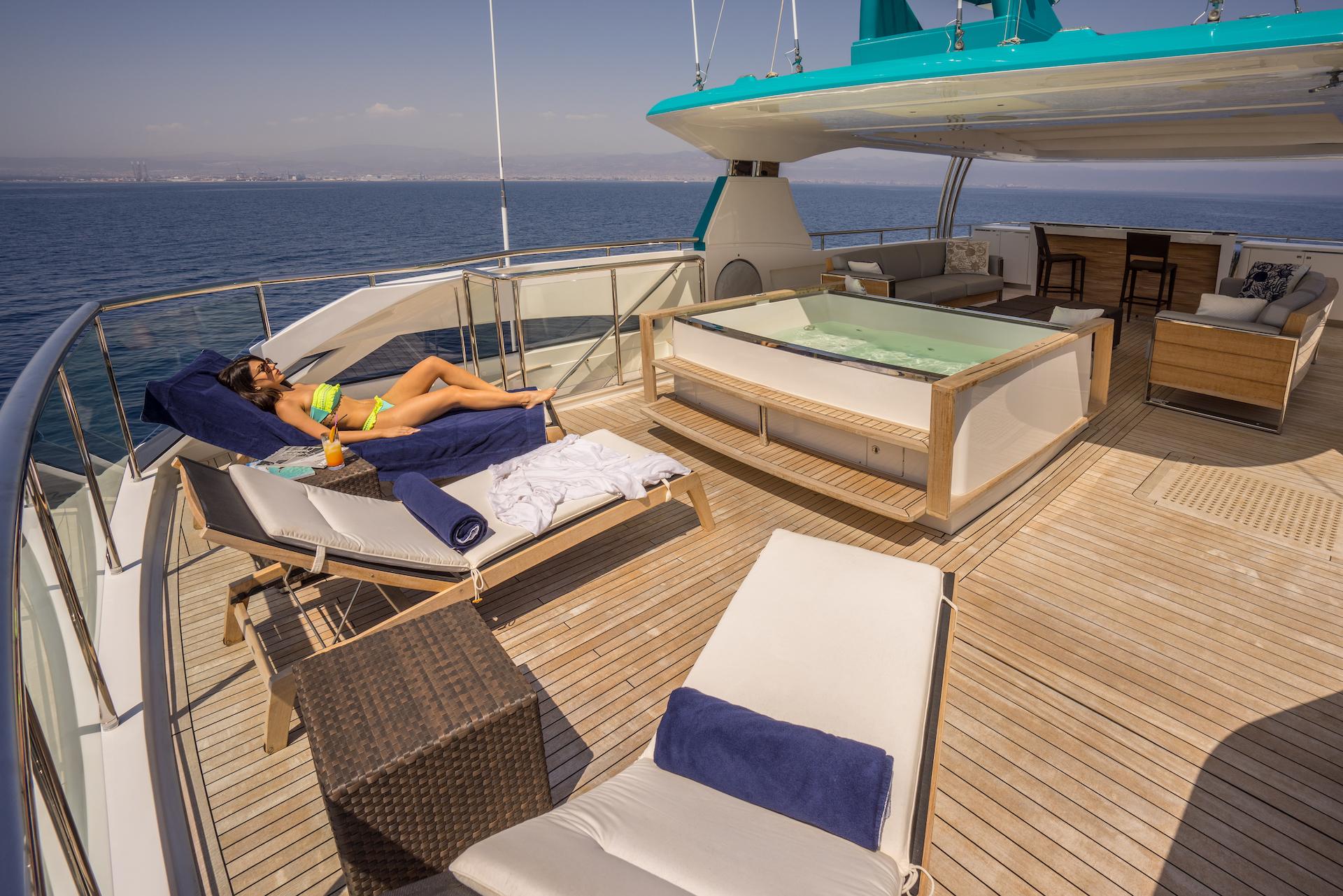 Jacuzzi Lifestyle On Sun Deck