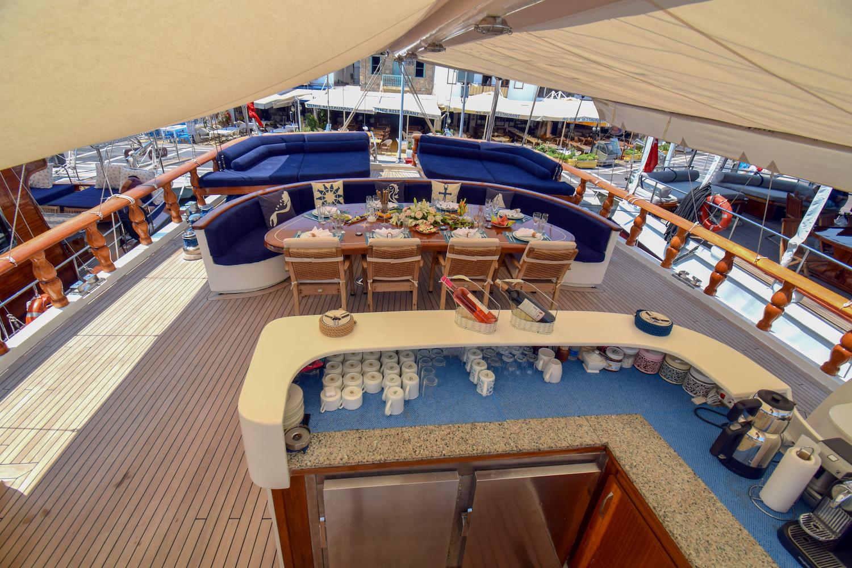PERLA DEL MAR Exterior - Sun Deck Bar And Dining