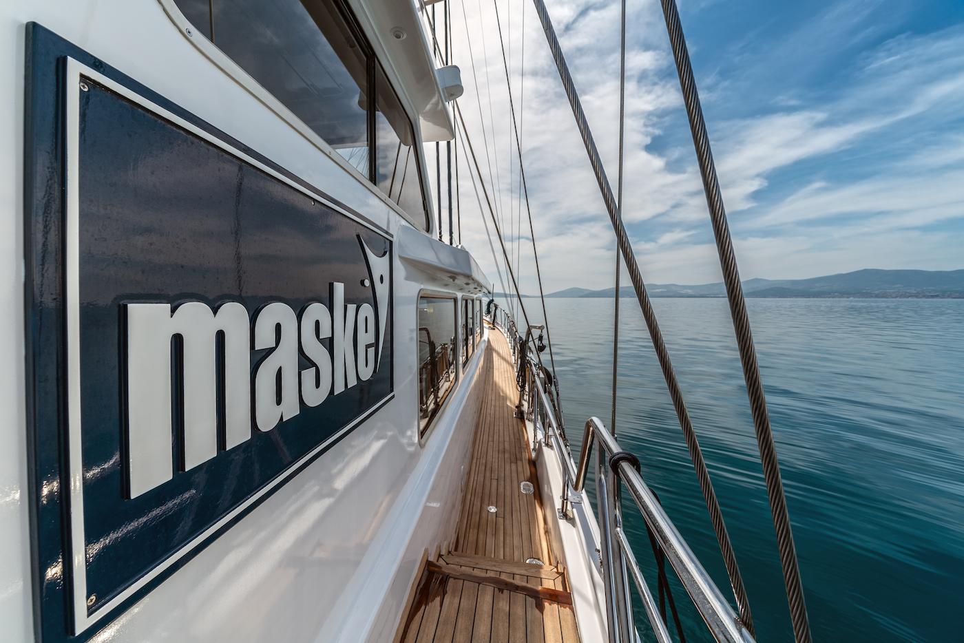 Sailing Yacht MASKE Detail