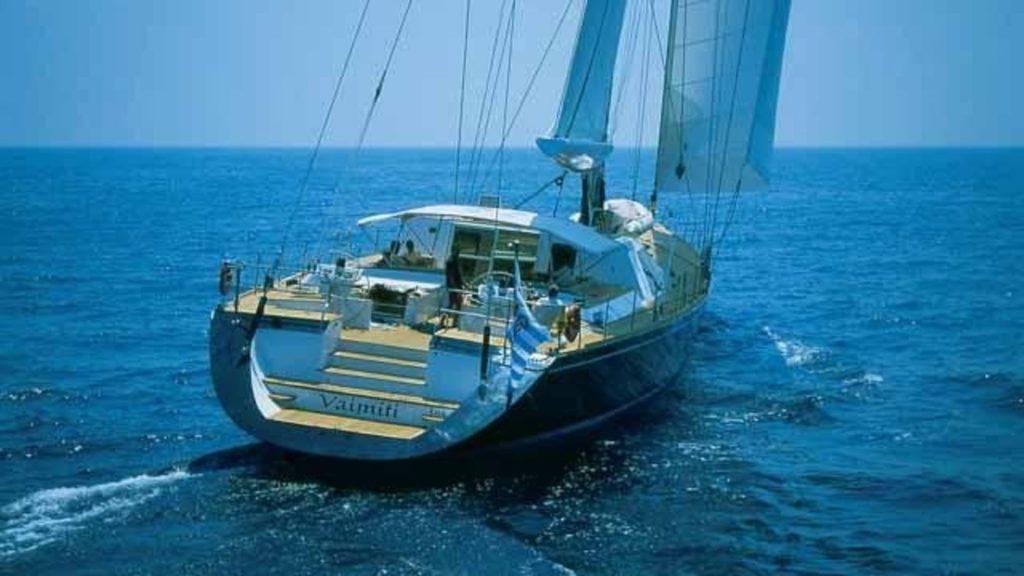 VAIMITI - Sailing Out At Sea