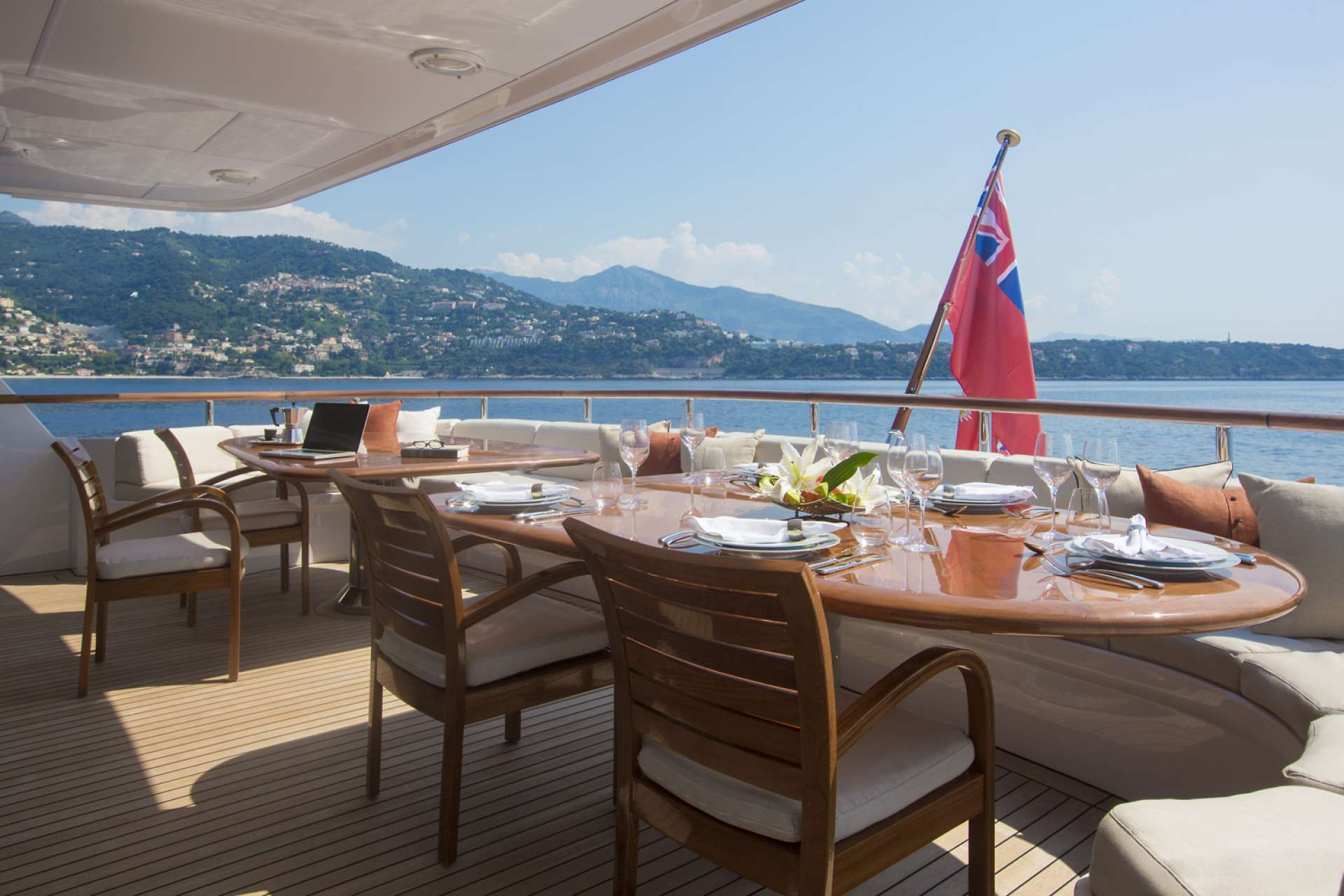 Yacht ILLUSSION By Feadship - Aft Al Fresco Dining
