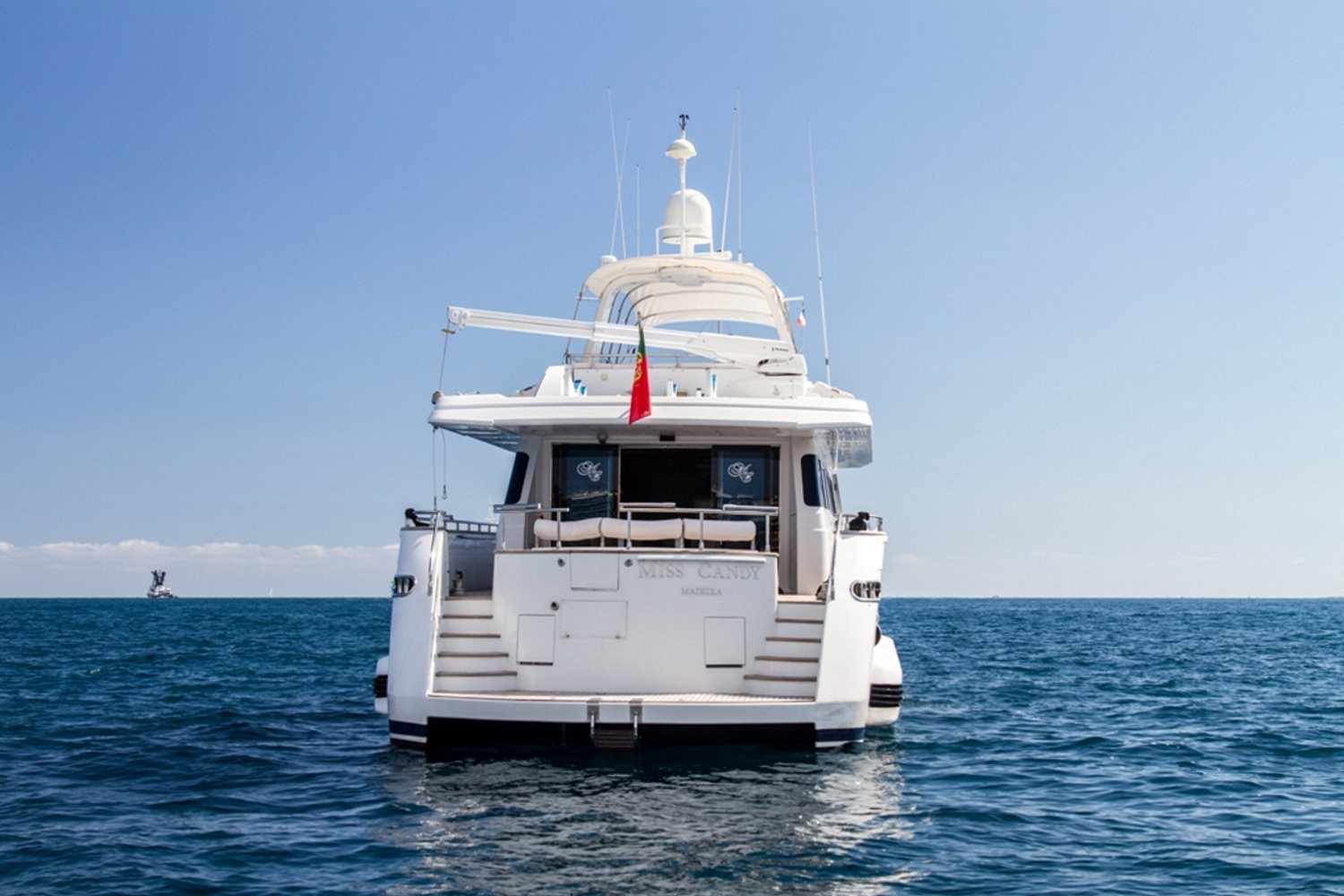 Yacht Miss Candy Aft
