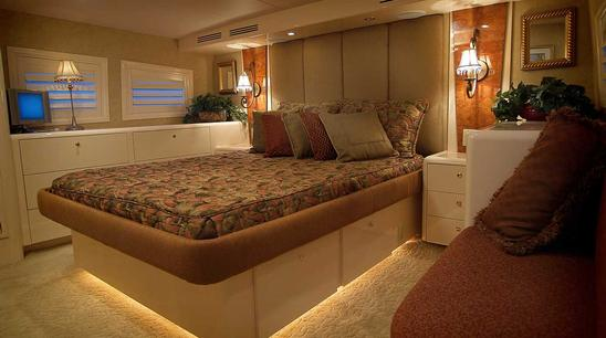 102 Azimut NEVER ENDING JOURNEY - Guest Stateroom
