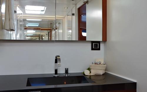 AMAZONCREEK -  Bathroom