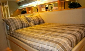 ANDIAMO 76 Lazzara -  Guest Cabin