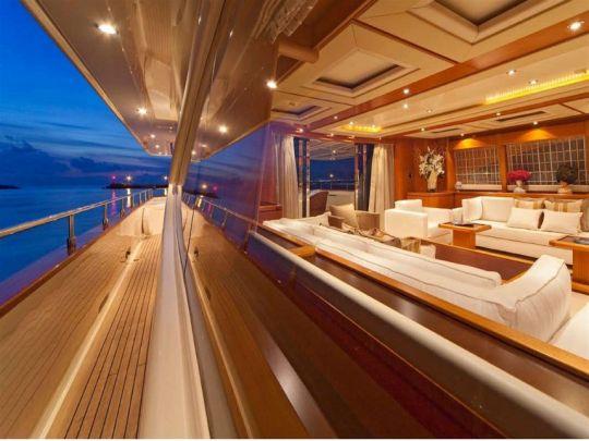 ARIELA - Side deck