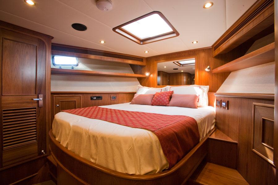 AROONA VIP Cabin