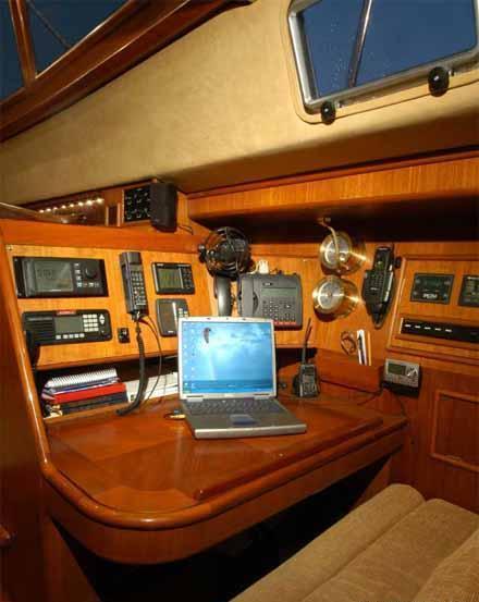 AURORA 67ft -  Navigation Station