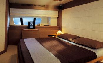AZIMUT 98 - VIP Cabin