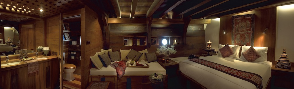 Accommodation aboard luxury yacht Silolona