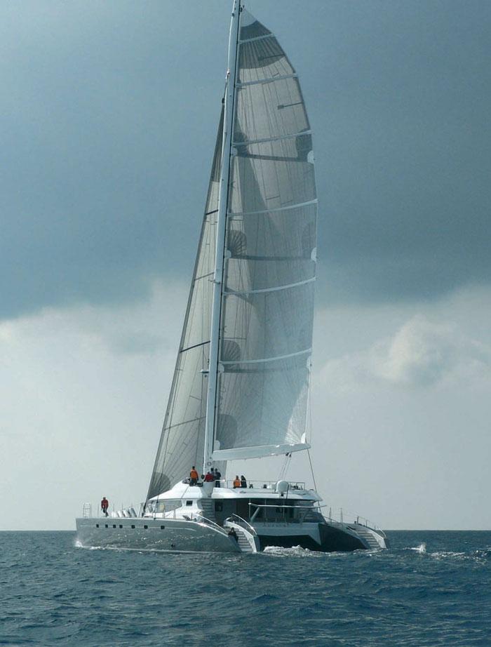 Allures - sailing