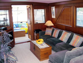 Analisa - Salon to Aft Deck