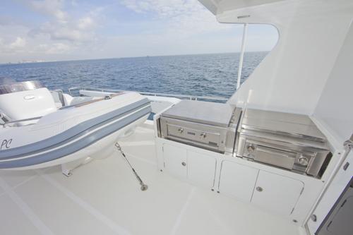 Andiamo 85 -  Boat deck Grill