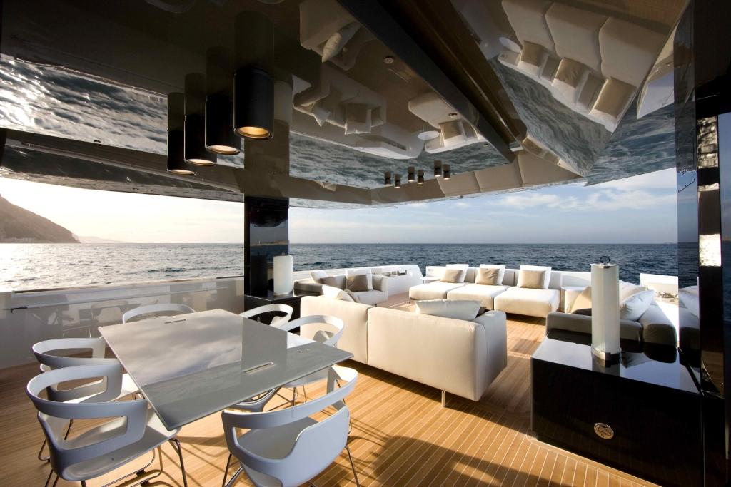 Arcadia Yachts SOLAR - Aft Deck