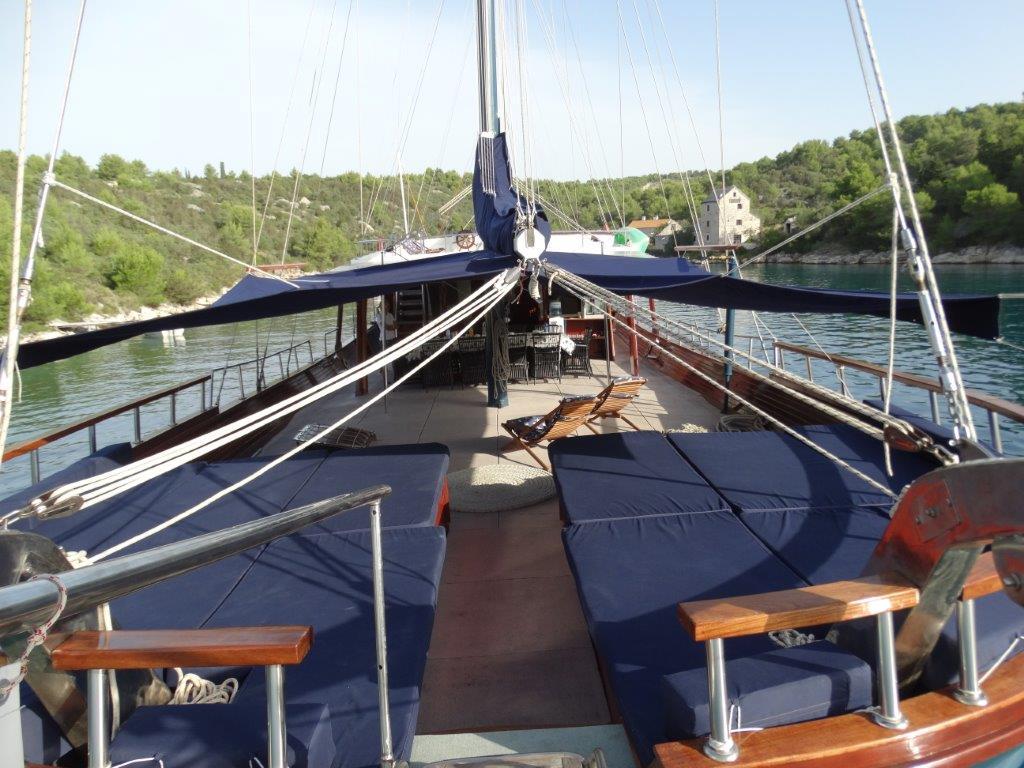 BARBA - Shaded deck