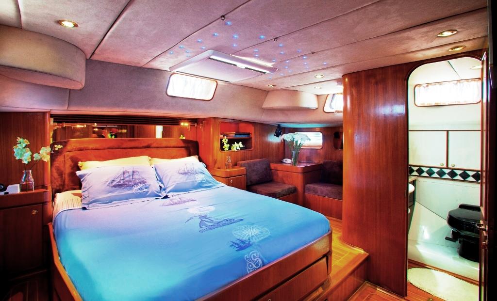 BLUE PHOENIX - Master cabin