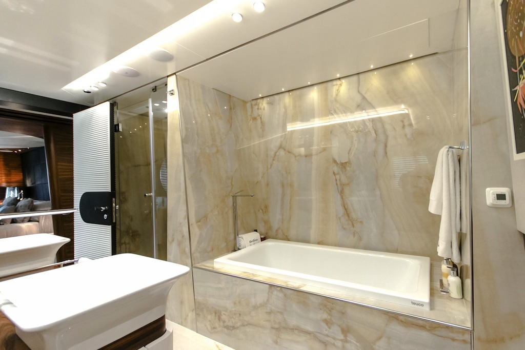 Bathroom - Yacht KATINA
