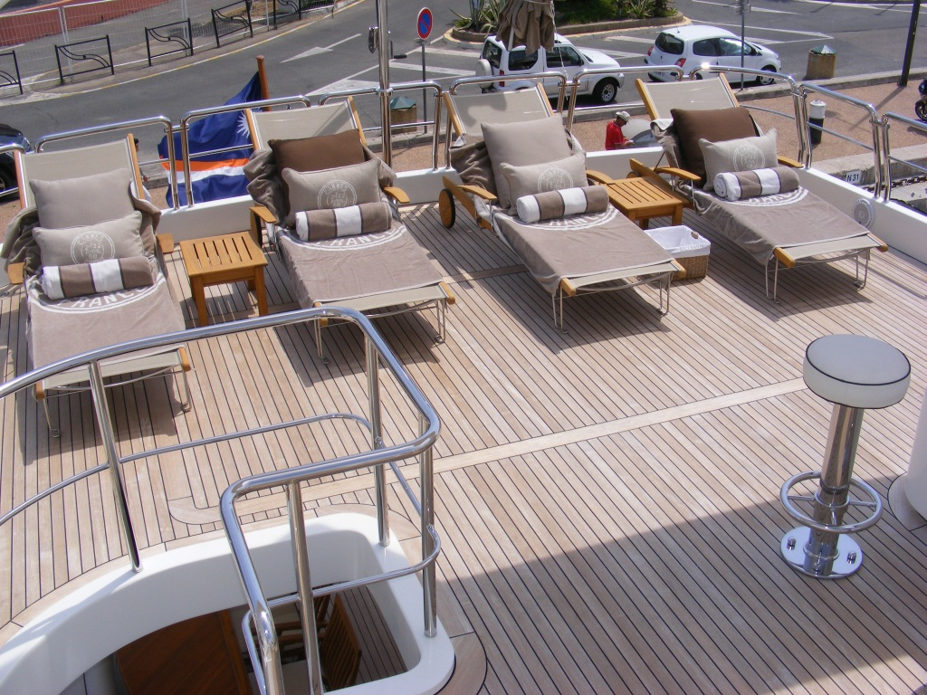 Benetti Yacht BACCHANAL -  Sundeck Sunbeds