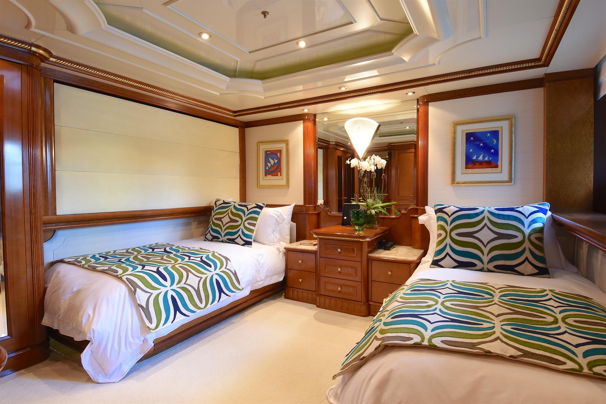 Benetti yacht LADY MICHELLE - Twin cabin