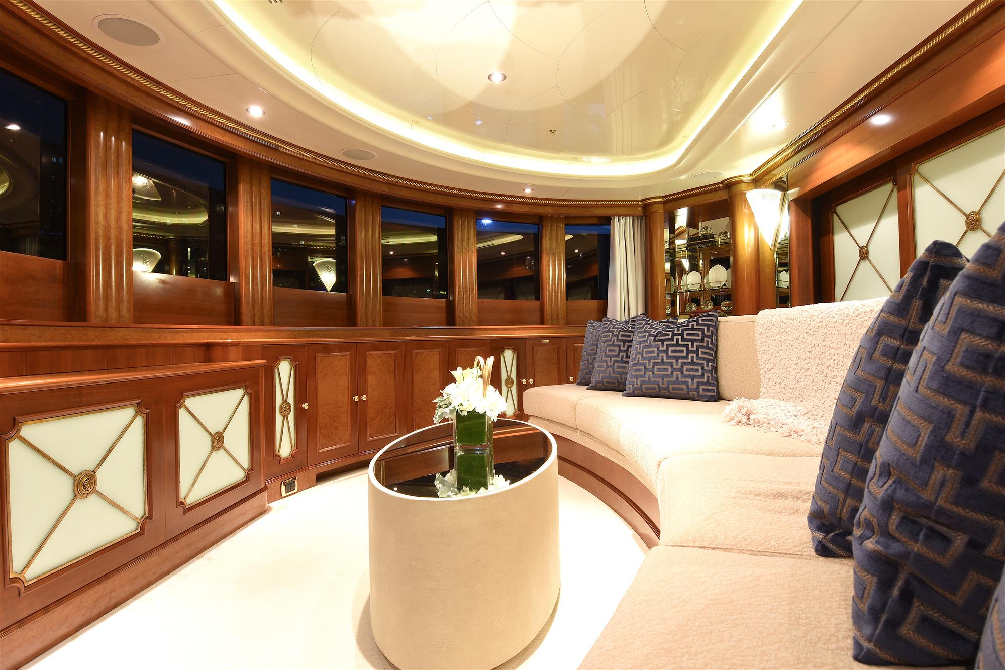 Benetti yacht LADY MICHELLE - Upper deck observatory