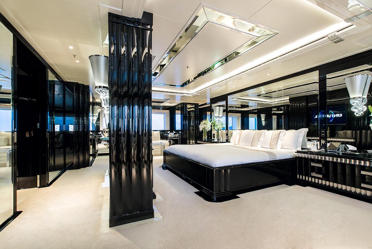 Benetti yacht SILVER ANGEL - Master stateroom on main deck forward