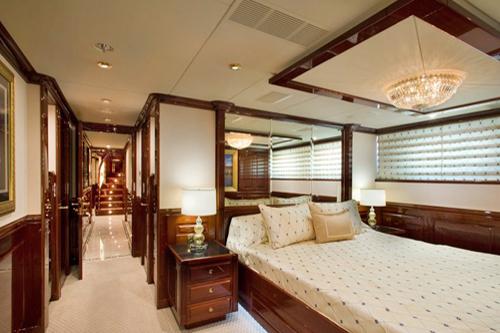 CASINO ROYALE -  VIP Cabin