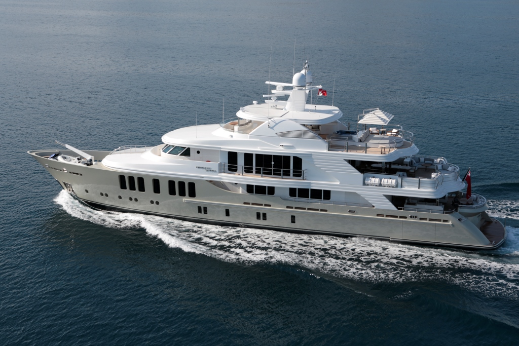 CMB Motor yacht ORIENT STAR - Running
