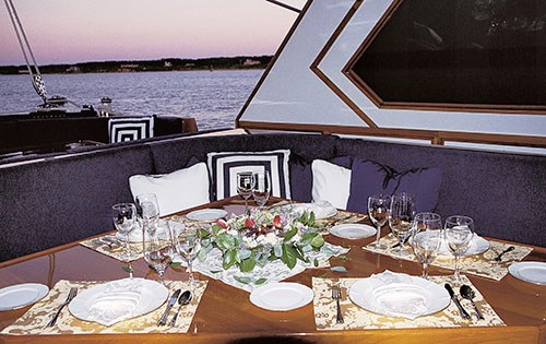 Caldera -  Aft Cockpit Dining