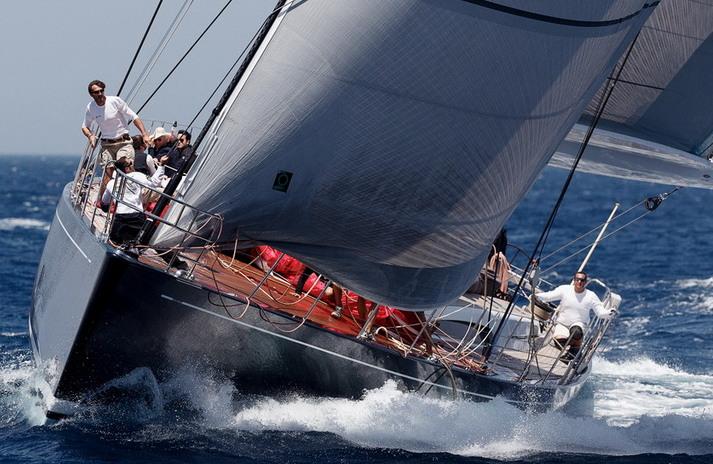 Cape Arrow yacht - front view-001